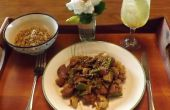PORC de sésame avec chou-fleur, champignons SHIITAKE & pois mange-tout gousses dans un GLUTEN-libre, la SAUCE SOYA, de TERIYAKI