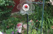 Fleur de verre yard art