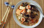 Soupe de tomate de Style asiatique avec nouilles de riz