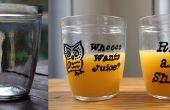Réorganiser les vieux pots (dans des verres de jus!)