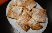 Focaccia sucrée avec des raisins secs, safran et graines de pin.