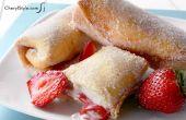 Création de gâteau au fromage aux fraises Chimichangas