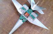 Avion de chasse moderne de déchets électroniques