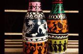 Peint les bouteilles pour la décoration à la main