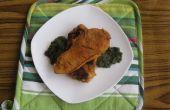 Cuit à la vapeur de steak de poulet avec sauce aux épinards (innovation pakistanaise)