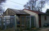 Construire un toit avec panneaux de clôture de cèdre récupéré