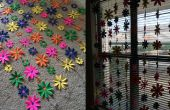 Rideau de fleur de papier coloré
