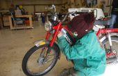 Comment nettoyer un réservoir d'essence rouillé et remplacer l'huile sur un cyclomoteur