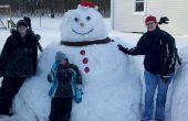 Le bonhomme de neige épique de construction
