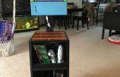 Jeux Station de recyclé écran d'ordinateur portable et le vieux bois