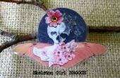 Fille de crâne avec Cherry Blossoms broche
