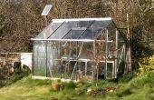 Automatique solaire alimenté à effet de serre arrosage System