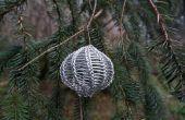 Comment enseignez-vous à tricoter avec fil (et peut-être faire un ornement de Noël trop)