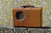 Réorientation de l'Antique Radio dans un Hip Bluetooth haut-parleur Portable