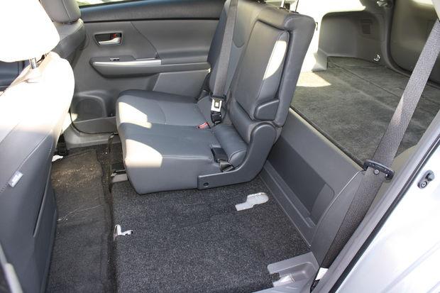 Comment Enlever L Arri 232 Re Places D Une Toyota Prius V