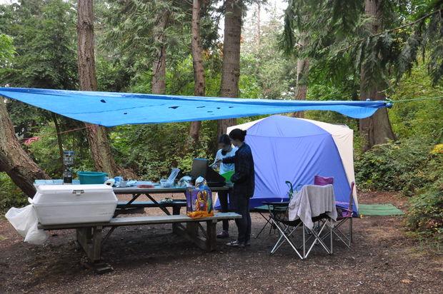 Comment Faire Pour Voiture Camp Sous La Pluie 11