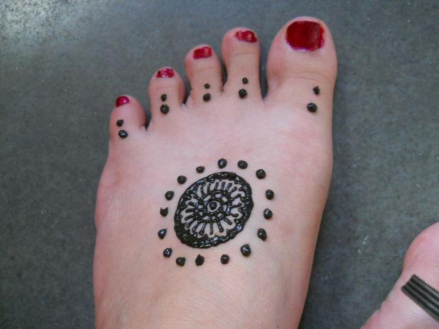 Henné Facile A Faire conception simple de henné pour les pieds - tubefr