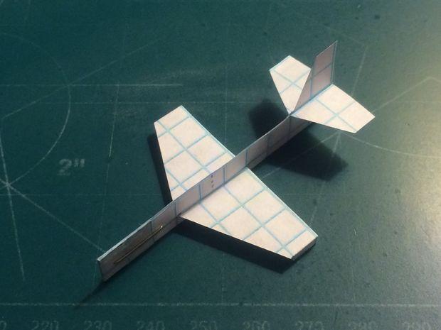 comment faire de l avion en papier firefly. Black Bedroom Furniture Sets. Home Design Ideas