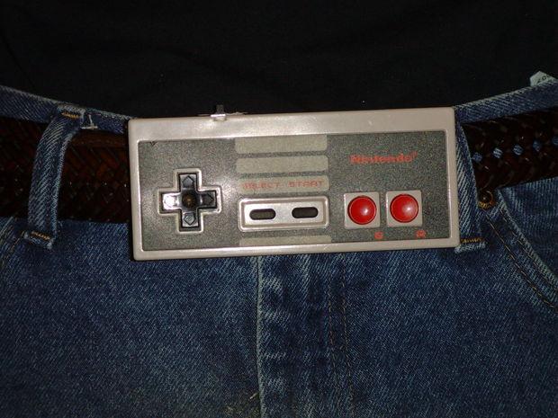 Boucle de ceinture NES Controller w   Sound FX ! - tubefr.com 8982fc8a287