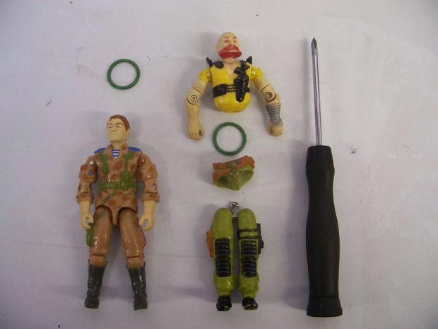 Technique pour réparer une figurine G.I. Joe des années 80-90 3019431211ada70540ba3f95c30f541e