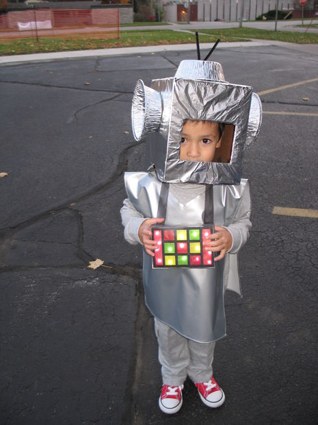 Новогодний костюм робота своими руками. « Мамин 69