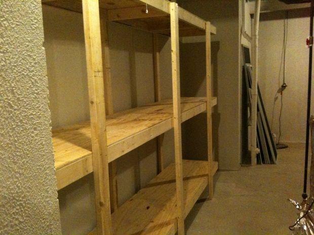 construire les tag re autoportante facile pour le sous sol ou le garage tape 7 apr s. Black Bedroom Furniture Sets. Home Design Ideas