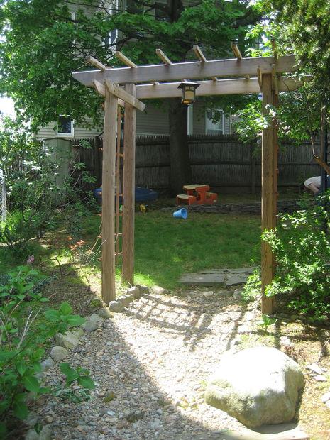 Construire une tonnelle de jardin en bois - tubefr.com