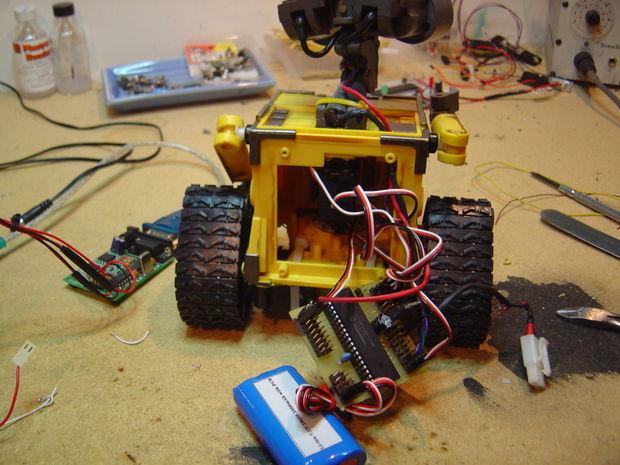 Mon Robot autonome de Wall-E fait maison - tubefr.com