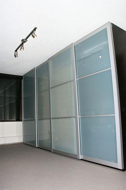 Perfect nous avons une chambre qui est long mais aussi for Lit escamotable plafond ikea