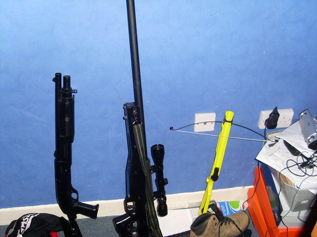 Airsoft ou pistolet à air comprimé (ou tout autre projectile