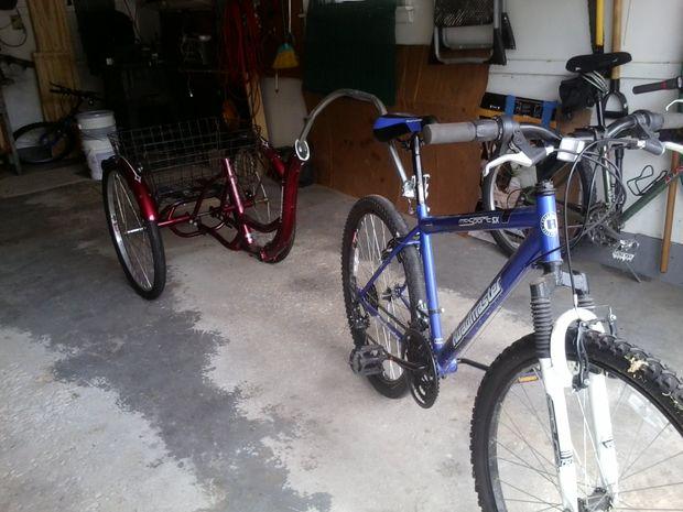 converti en tricycle adulte 3 roues pour remorque de v lo. Black Bedroom Furniture Sets. Home Design Ideas