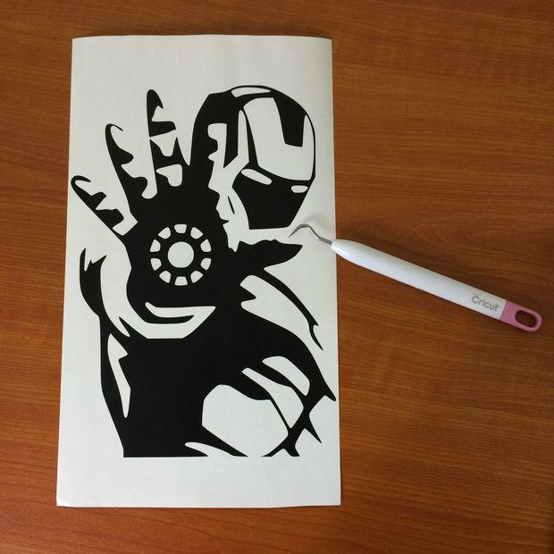 Fabuleux Rétro-éclairé Iron Man Poster / Étape 3: Faire les pochoirs  YG85