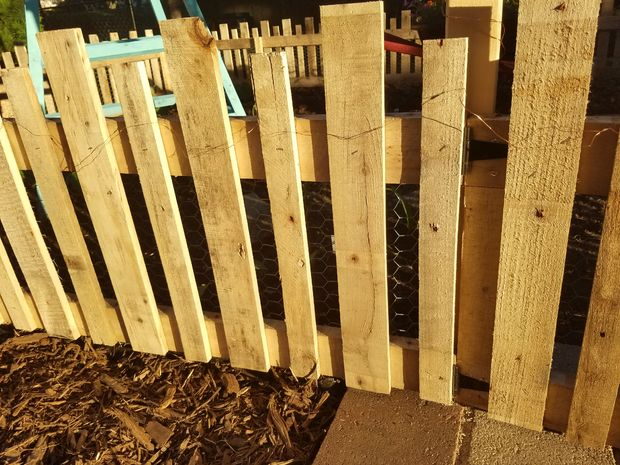 Cloture De Jardin Palette Bois Etape 9 Mettre En Place Les Lattes