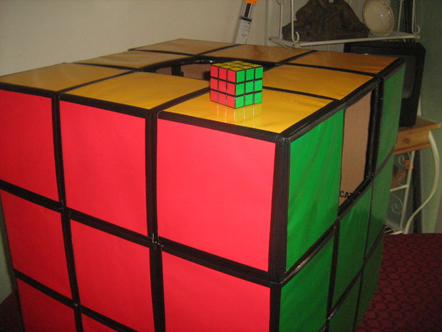 comment faire un costume de cube de rubik. Black Bedroom Furniture Sets. Home Design Ideas