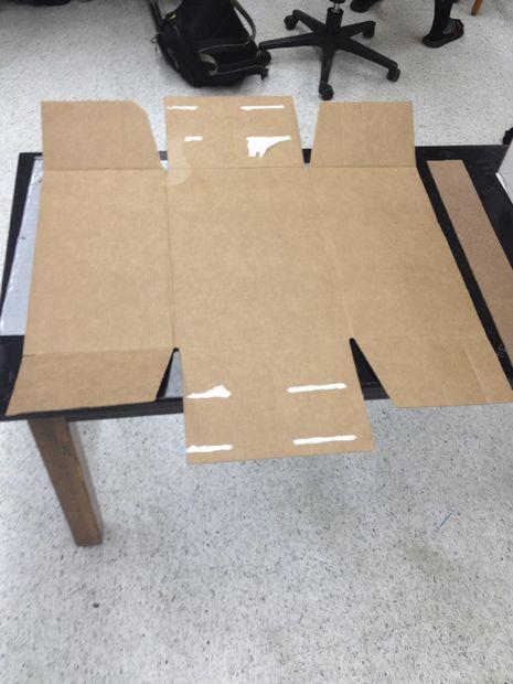 comment faire un diviseur de bureau etape 2 couper le carton afin qu il soit gal aux. Black Bedroom Furniture Sets. Home Design Ideas