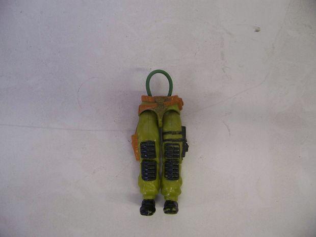 Technique pour réparer une figurine G.I. Joe des années 80-90 A068e40209e113234484e381e111f1c7
