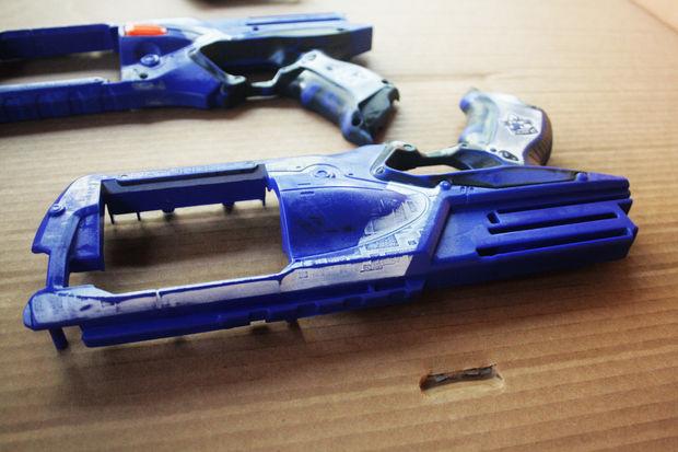 Réplique de pistolet nerf Strongarm Borderlands 2 Hyperion / Étape 3: Primer est votre meilleur ...