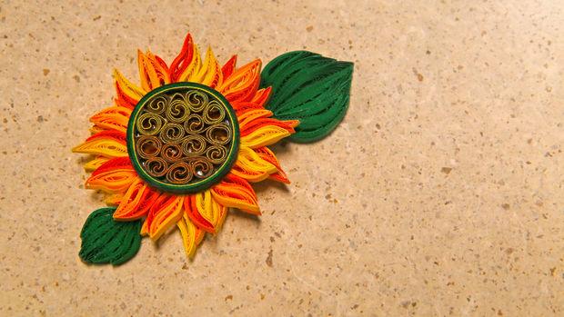 Comment Faire La Conception De Fleur Soleil Jaune A L Aide De