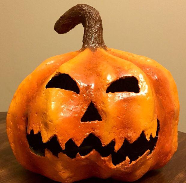 comment faire une citrouille d'halloween spooky papier mâché