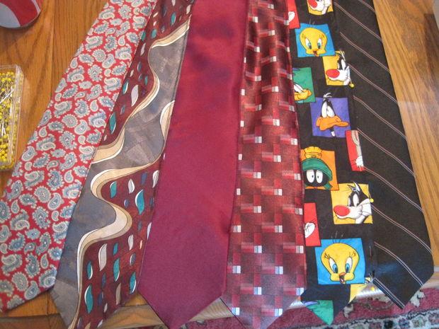 comment faire une robe bustier de cravates etape 3. Black Bedroom Furniture Sets. Home Design Ideas