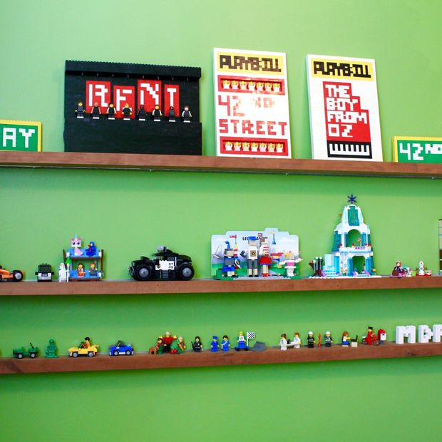 flottant tag re pour lego. Black Bedroom Furniture Sets. Home Design Ideas