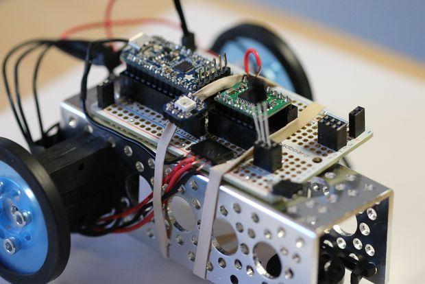 Comment faire un robot 2 roues contr l par ir - Comment fabriquer un robot ...