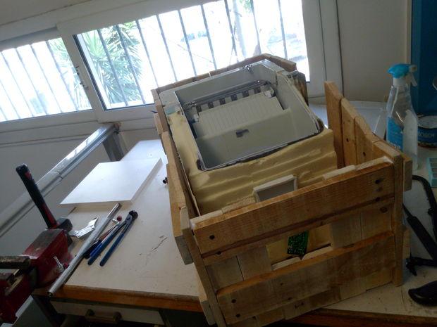 restaurer une vieille glaciere br l s tape 1 faire le corps de la vieilles palettes. Black Bedroom Furniture Sets. Home Design Ideas